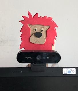 Löwenkopf aus Moosgummi auf einer